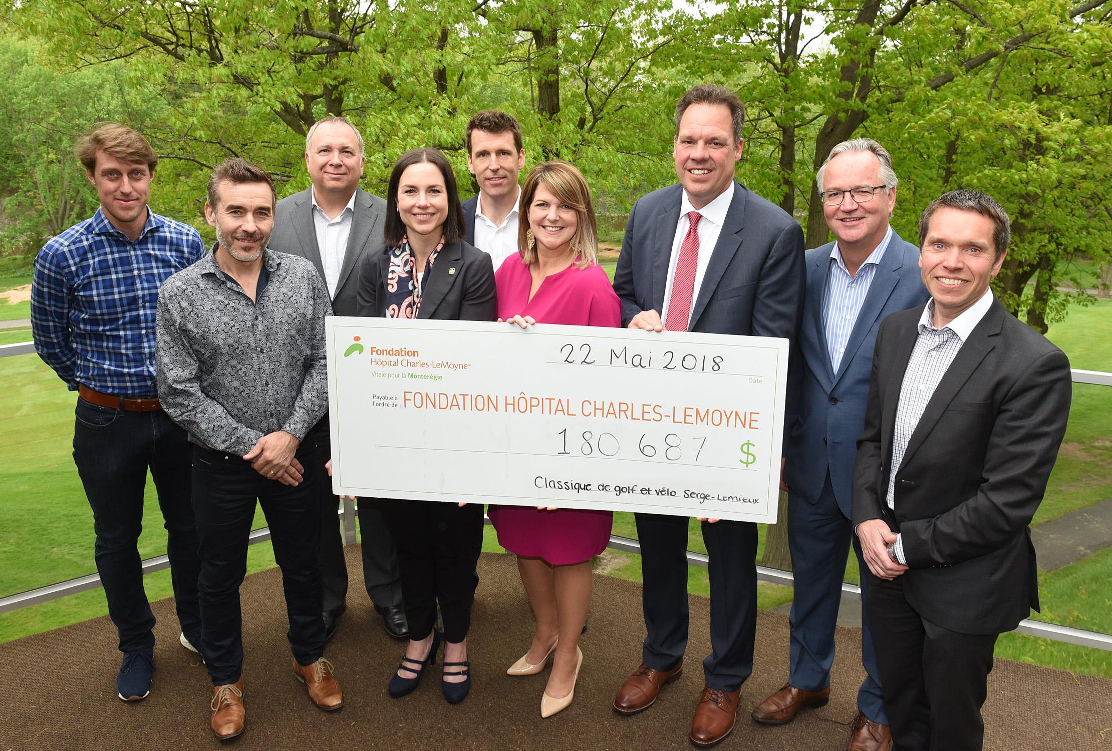 Chèque de Charité pour la Fondation de l'hôpital Charles-Lemoyne